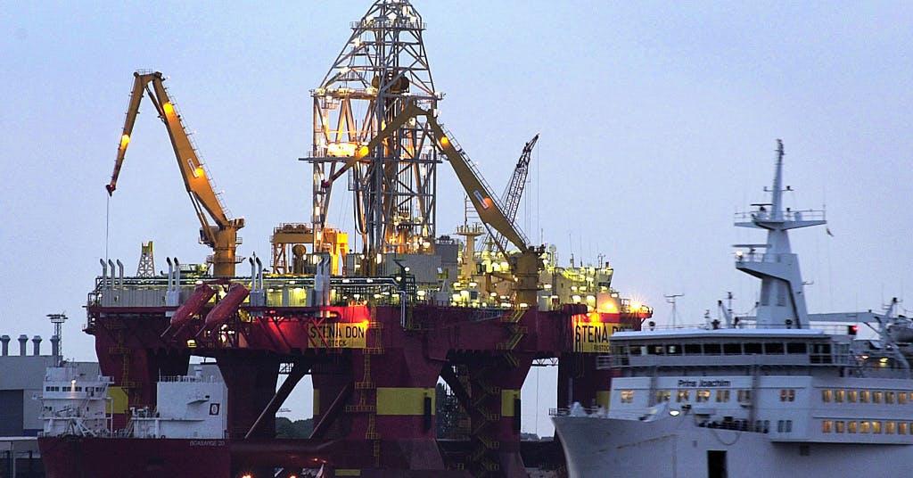 Sargad oljeindustri blickar framåt