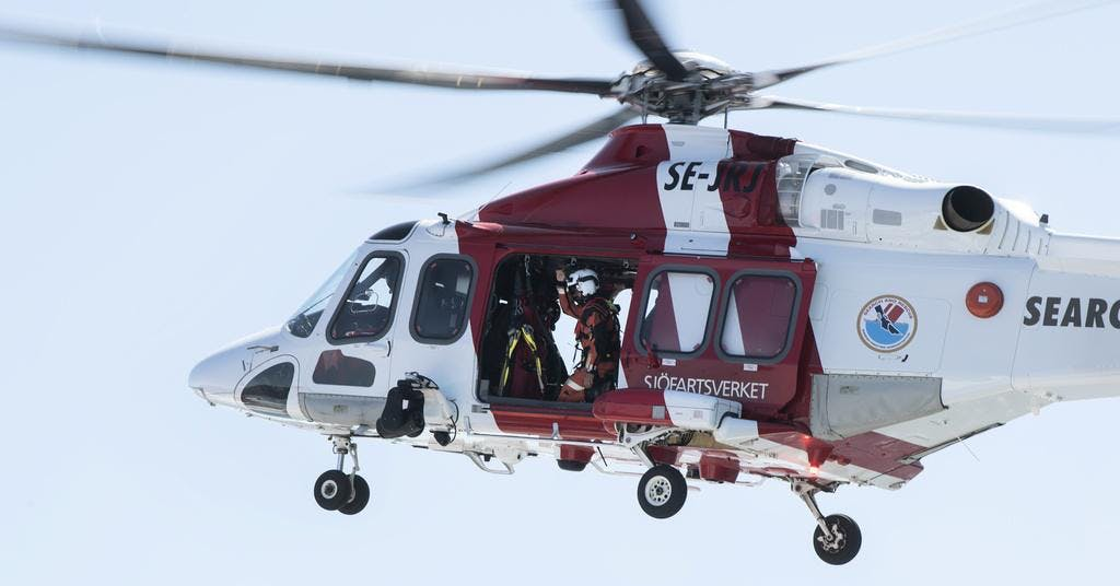 Passagerare evakuerade efter grundstötning