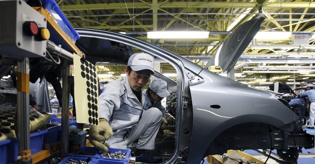 Japans handelsöverskott störtdyker