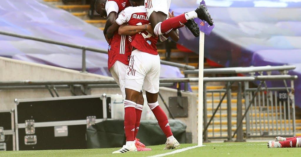 Aubameyangs dubbel sköt Arsenal ut i Europa