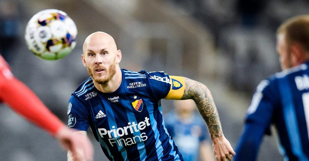 Eriksson överraskningen i VM-kvaltruppen